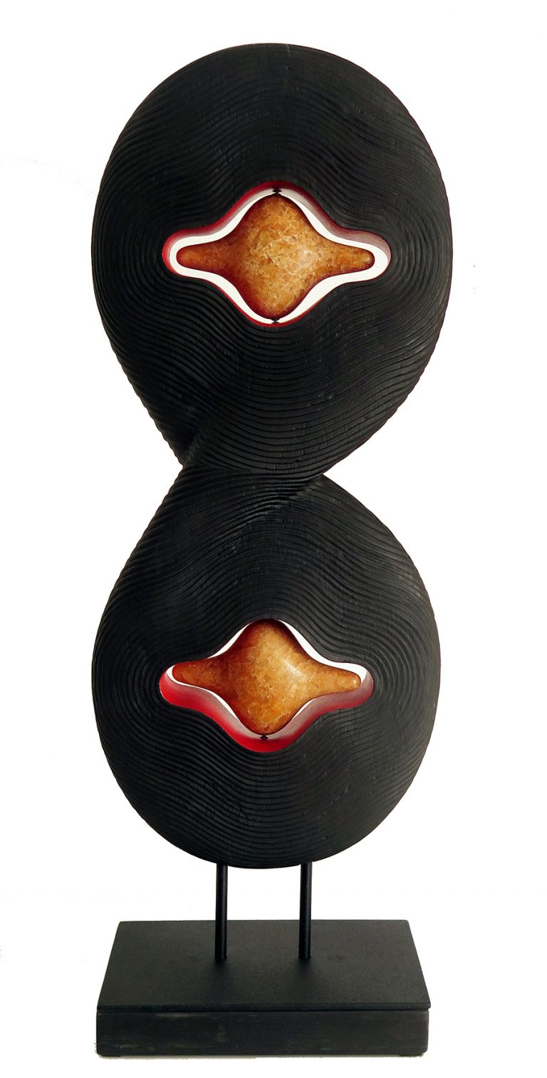 serie-Encaixes-quase-Perfeitos-escultura-em-xisto-negro-e-calcite90-x-34-cm-768×1514